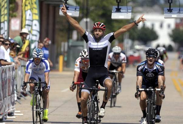 Alexey Schmidt rides to victory (photo courtesy of pnj.com)