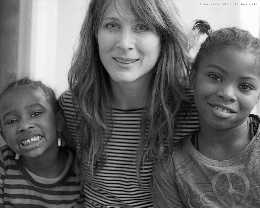 Libby Hunter with kids in the WordPLAY program. Image credit: Broadcast Photo - Stephen Metz.