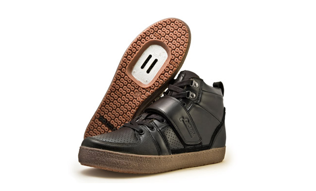 DZR's Marco Black bike polo shoe offers high performance and style in one package.