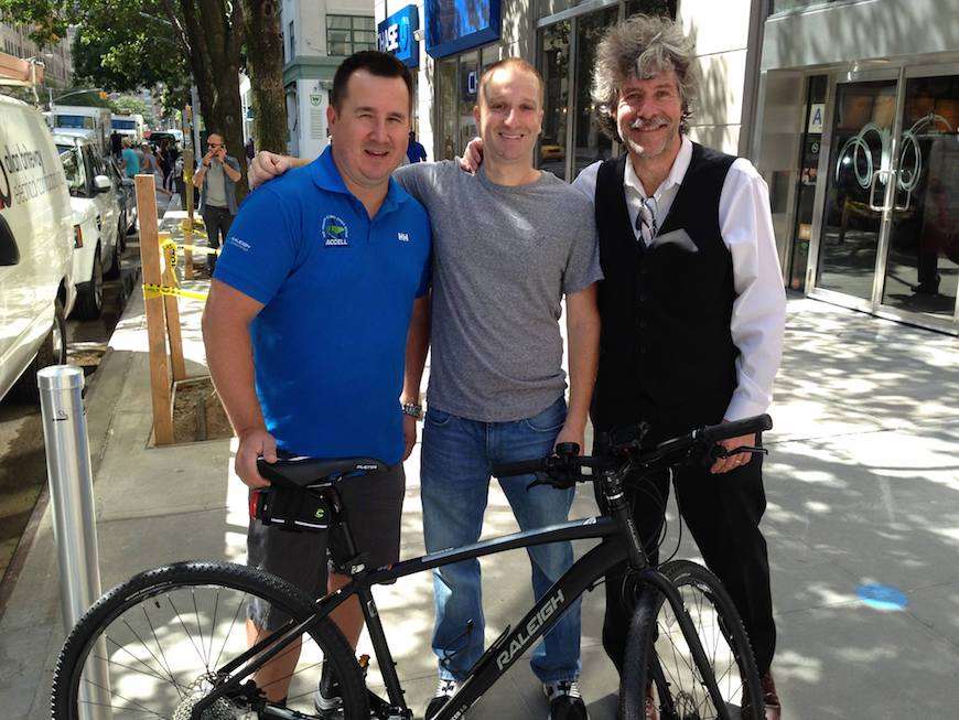 Evan Robert of WFAN Sports Radio poses with his new Raleigh Misceo. Photo courtesy of Shrewsbury Bicycles.